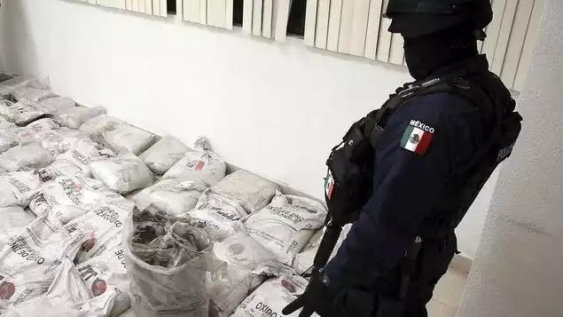 Incautan una tonelada de cocaína negra en México