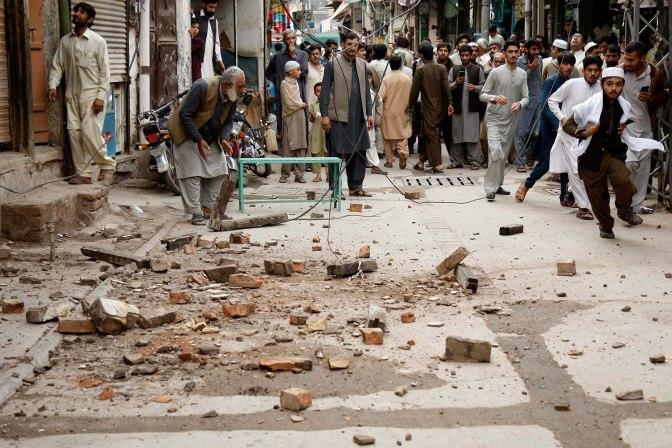 Al menos 148 muertos al estallar un camión cisterna en Pakistán