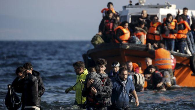 Francia propone crear centros de refugiados en Libia