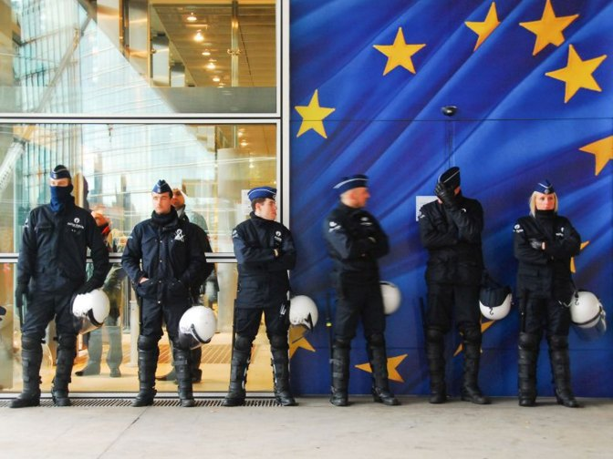 La UE amplía otro año las sanciones contra el régimen sirio