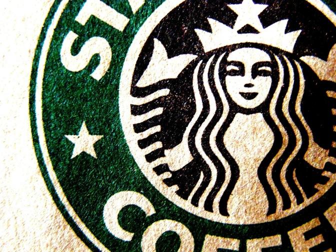 Starbucks planea contratar a 10.000 refugiados y ayudará a sus socios mexicanos