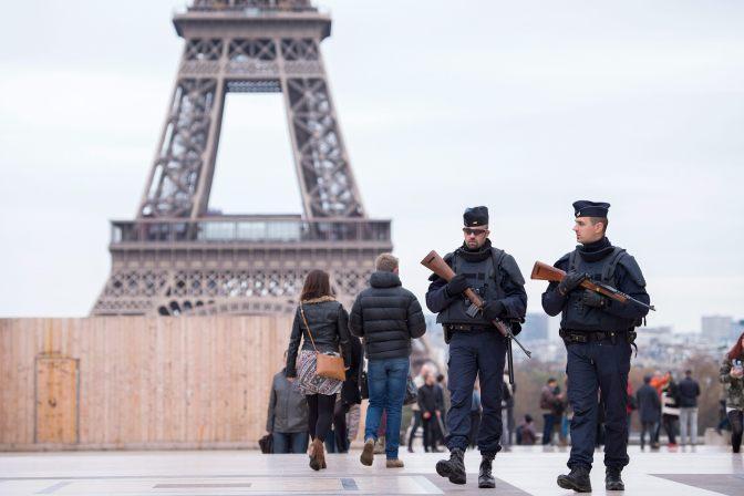 Cinco detenidos por presuntos planes de próximos atentados en Francia