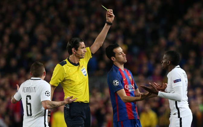 El árbitro del Barcelona vs. PSG no volvería a dirigir en la Champions League
