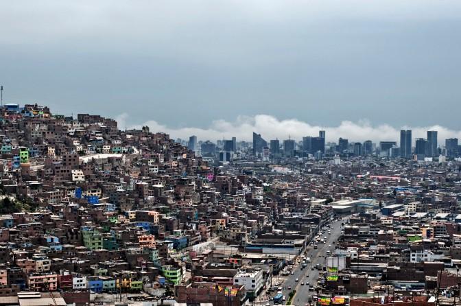 Perú coloca bonos internos por 266 mln dólares ante fuerte demanda inversores extranjeros