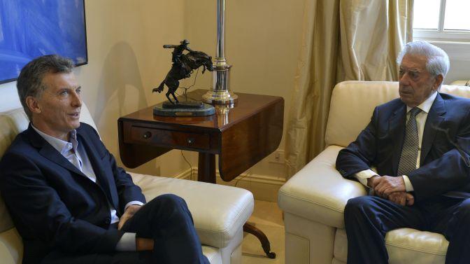 Mauricio Macri y Mario Vargas Llosa mantienen un encuentro en Buenos Aires