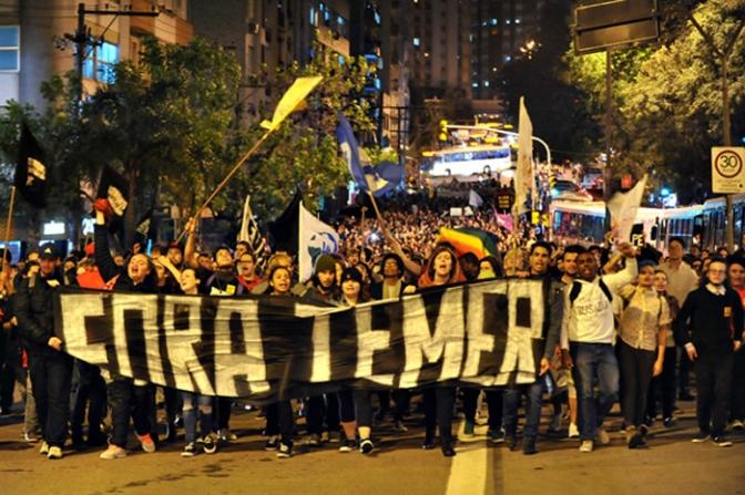 Temer sigue en busca de apoyo mientras manifestantes piden su renuncia