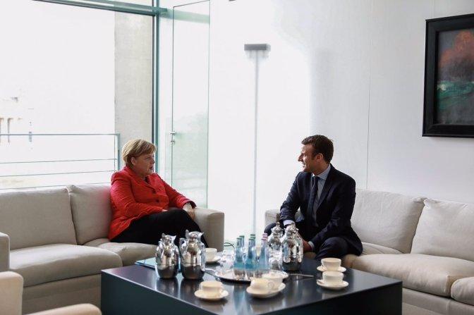 Macron se compromete ante Merkel a realizar reformas para generar empleo
