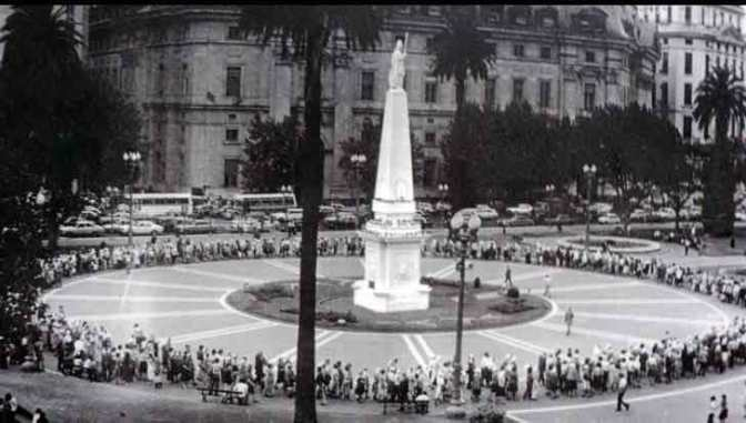 Las Madres de la Plaza de Mayo conmemoran 40 años de lucha por los desaparecidos