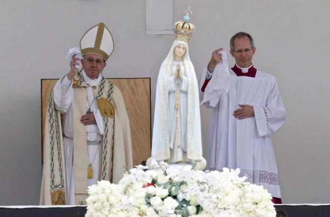 El papa Francisco canonizó a los niños pastores de Fátima