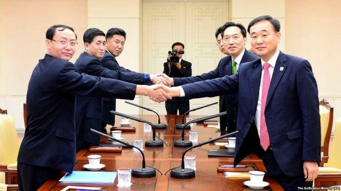 Seúl aprueba el primer contacto civil intercoreano desde la llegada de Moon
