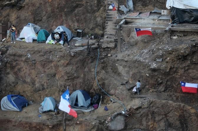 Miles de albergados y más de 600 damnificados por temporal en norte de Chile