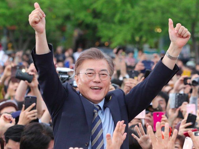 Donald Trump felicitó a Moon Jae-in y lo invitó a la Casa Blanca