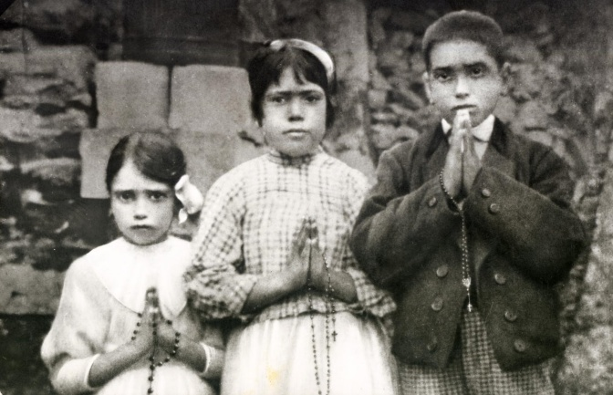 """Los pastorcitos de Fátima creyeron que Rusia era una mujer de """"mala vida"""""""