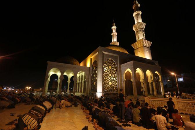Ramadán: musulmanes iniciaron tradicional ayuno que dura un mes