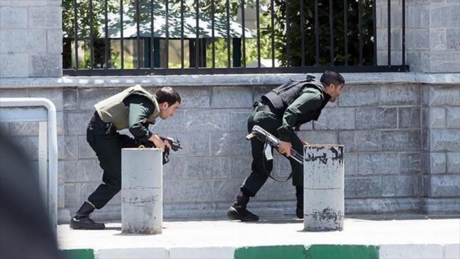 Doce muertos en los primeros atentados reivindicados por el EI en Teherán