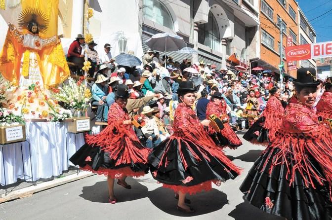 """La fiesta del """"Gran Poder"""" de Bolivia se luce para ser reconocida por la Unesco"""