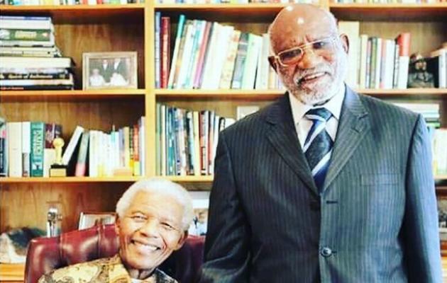 Muere Toivo ya Toivo, compañero de cárcel namibio de Nelson Mandela