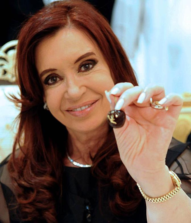 Cambia de juez el caso contra Cristina Fernández por encubrimiento terrorista