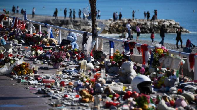 Víctimas del atentado de Niza piden la retirada de 'Paris Match' por unas fotos