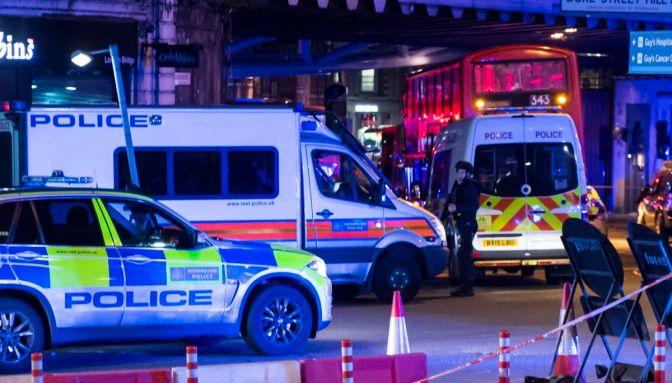 Adolescente ataca cinco personas con ácido en una noche de terror en Londres
