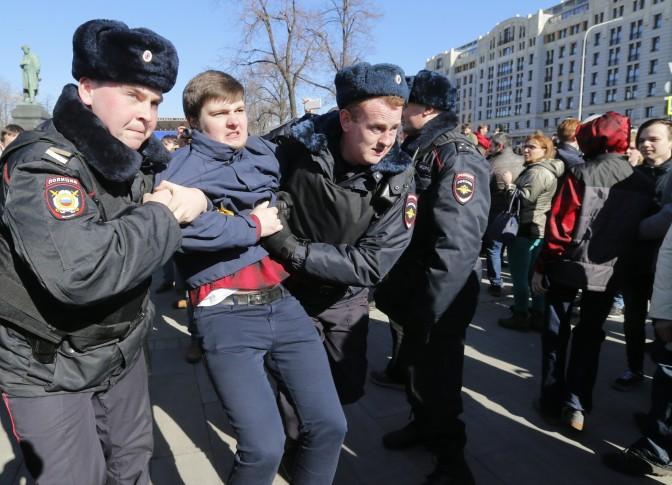 La oposición rusa sale a la calle para protestar contra la falta de libertad en internet