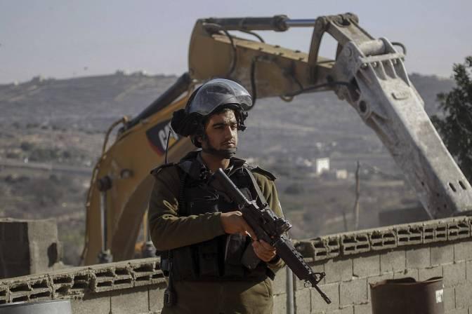 Israel derriba la casa de un palestino que mató a tres israelíes en Cisjordania