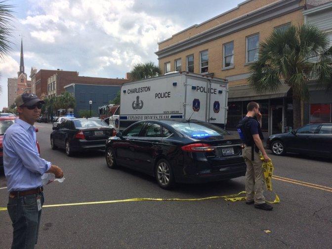 Toma de rehenes en Charleston deja un muerto y un herido